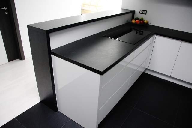 Kuchnia-firmy-studiomebli.com-najlepszym-projektem-marca-5.jpg