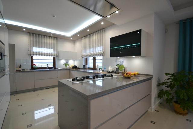 Najlepsza_kuchnia_lutego_elegancja_i_nowoczesność_w_jednym_projekcji.jpg