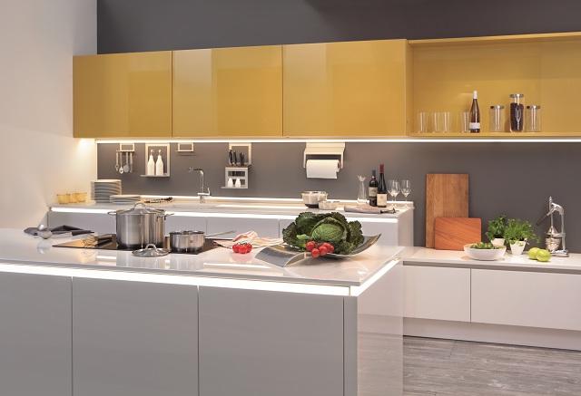 Jak oswietlic kuchnie efektowne pomysly na swiatlo w for Mobila küchen