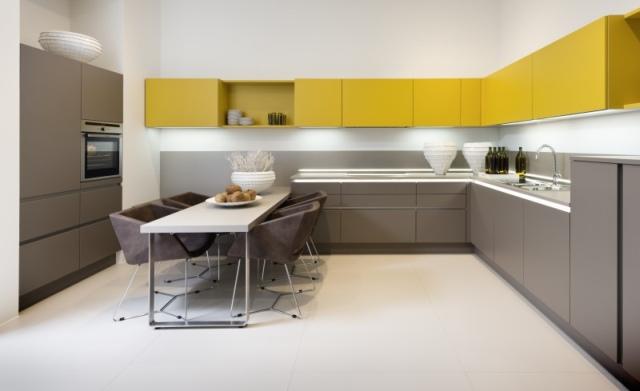 Przytulna-kuchnia-w-ciepłych-barwach-jesieni-2.jpg