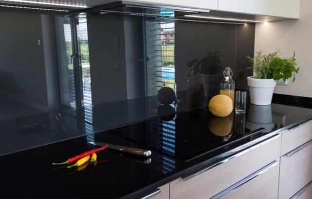 Szkło_lakierowane_w_kuchni_2.jpg