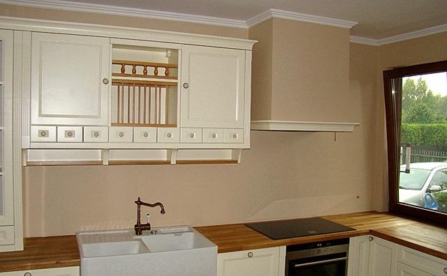 Kuchnia-w-angielskim-stylu-klasyczna-elegancja-i-wysoka-funkcjonalność-4.jpg