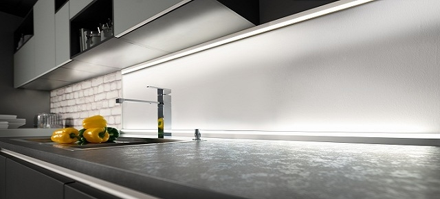 Jak oświetlić kuchnię ? Efektowne pomysły na światło w kuchni