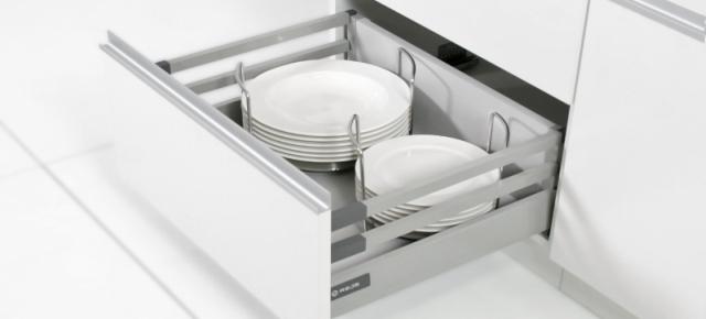 Wygodna i funkcjonalna zabudowa z nowoczesnymi szufladami Comfort Box