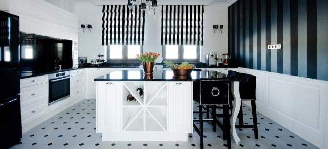 Elegancka, stylizowana kuchnia black&white