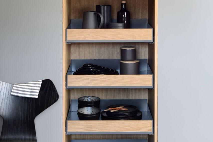 Kolekcja FIORO w kolorze drewna i antracytu