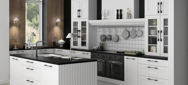 Białe meble w kuchni. Czy warto się zdecydować?