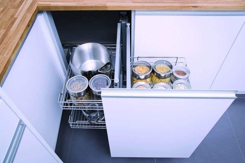Wyposażenie mebli kuchennych. Zadbaj o porządek w swoje kuchni