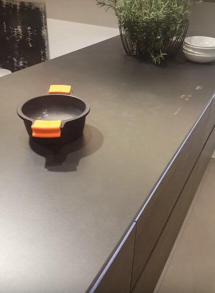 łyta indukcyjna zamontowana w blacie, Nolte Küchen