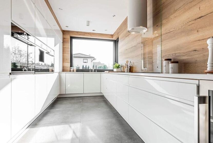 Baster Kuchnie - strefa zmywania pod oknem