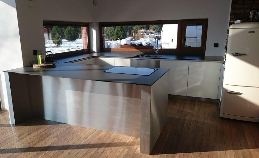 Thomas Perfekcyjne Meble - kuchnia bez górnych szafek