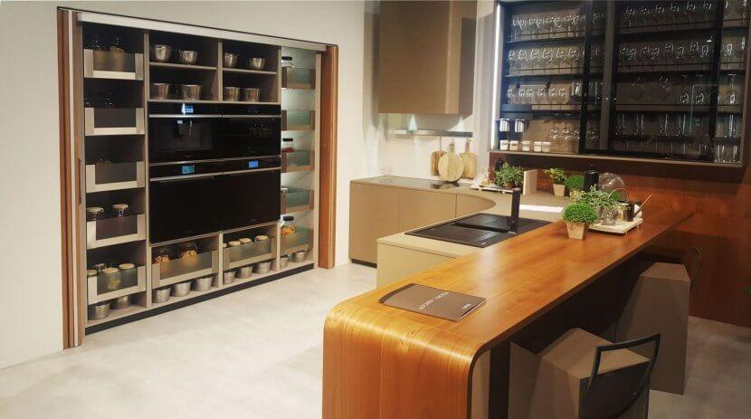 Trendy w wyposażeniu mebli kuchennych od PEKA