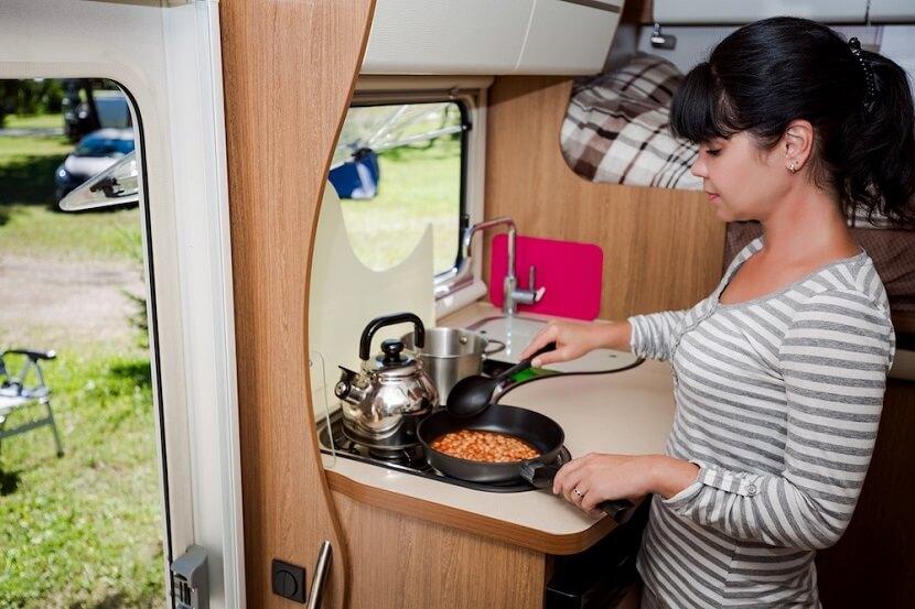 Gotowanie w kamperze – 5 wskazówek