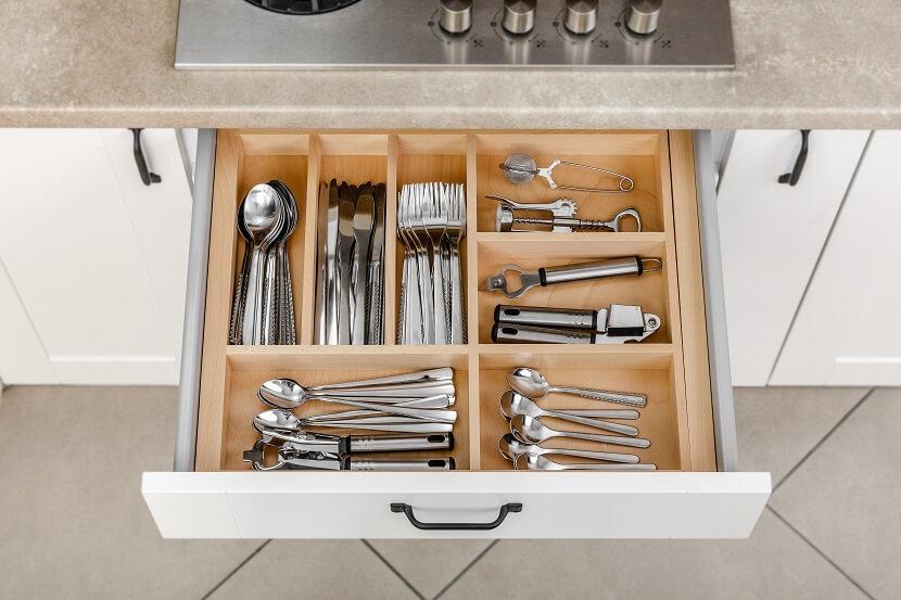 Rozwiązania, które ułatwią wiosenne porządki w kuchni