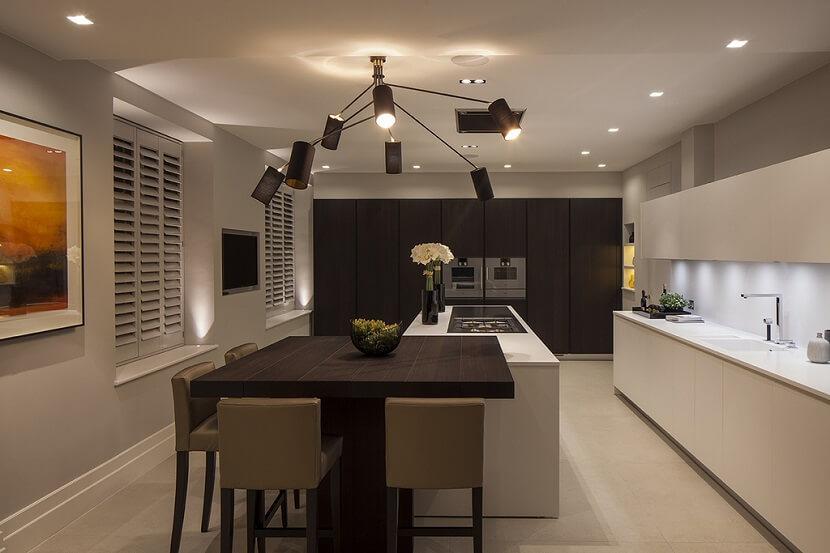 Żyrandol do kuchni- podpowiadamy, na co warto zwrócić uwagę przy wyborze oświetlenia