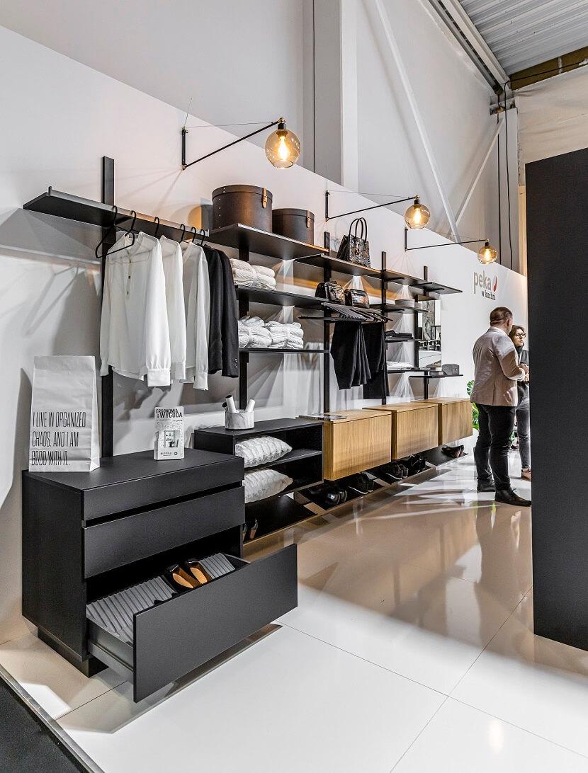 Jesienne wietrzenie szafy – poznaj trzy sposoby na sprzątanie z przyjemnością!