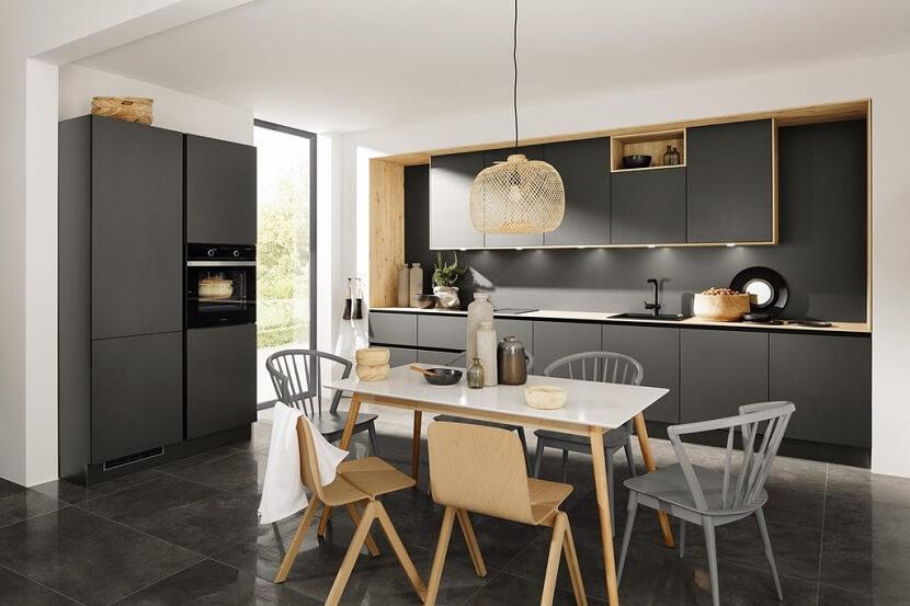 Znajdź dodatkową przestrzeń w meblach kuchennych!