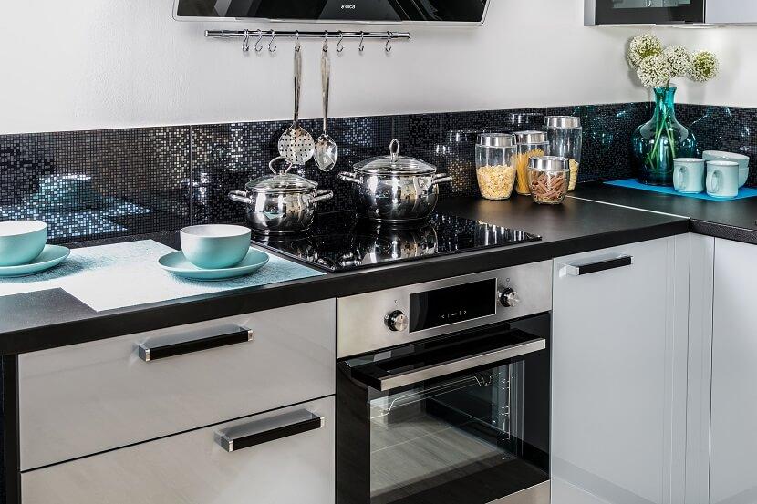 Uchwyty do mebli potrafią całkowicie odmienić wygląd mebli kuchennych! Wybierz rączki do mebli w swoim stylu