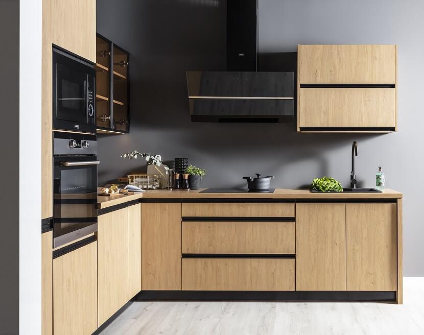 Jak urządzić praktyczną kuchnię? Poznaj najważniejsze zasady